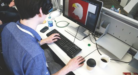 7 Reasons Why You Should Become a Graphic Designer